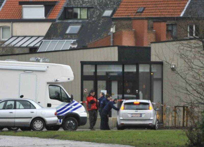 Policijos pareigūnai ir gelbėtojai įvykio vietoje, sausio 22 d. 2009 m.