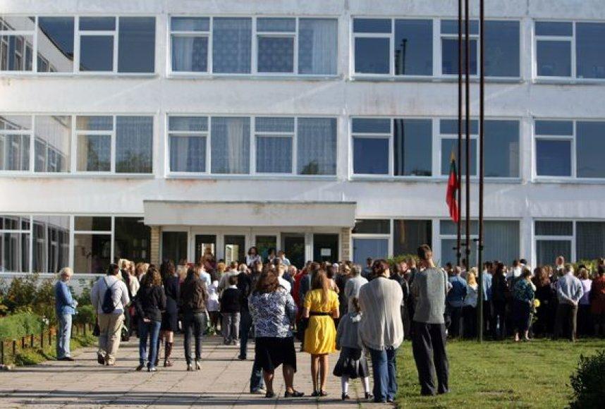 Spalio 24 d. Lietuvos mokyklose švęs visai šaliai svarbią Konstitucijos dieną.