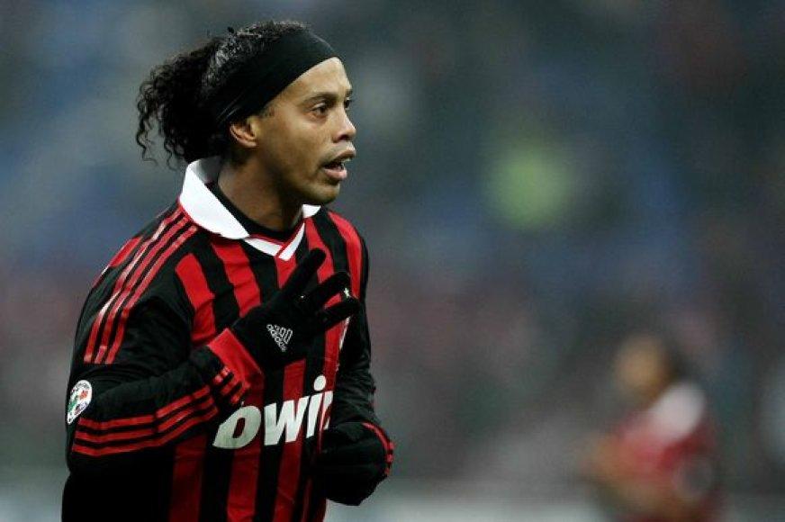 Ronaldinho prieš svarbų derbį tris dienas linksminosi viešbutyje