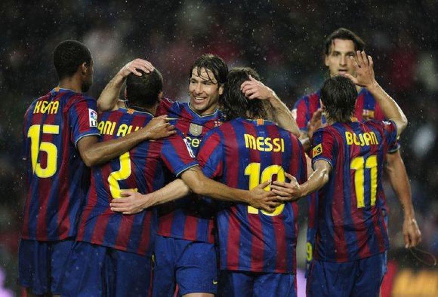 """Barcelona"" triuškino varžovus"