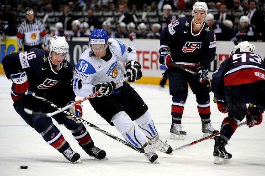 JAV ledo ritulininkai pasirodymą pasaulio čempionate baigė grupių etape