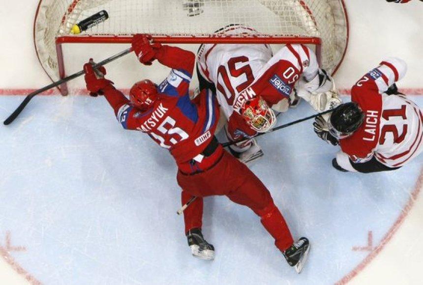 Titulą ginanti Rusijos rinktinė ketvirtfinalyje įveikė kanadiečius
