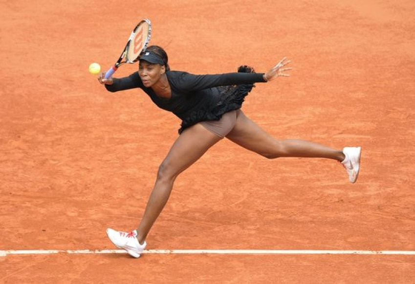 Viena iš favoritčių Venus Williams pasitraukė iš turnyro aštuntfinalyje
