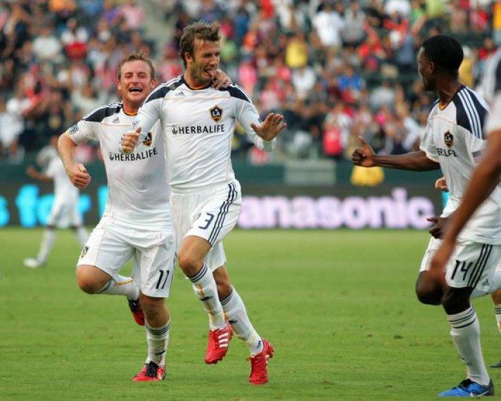 Davidas Beckhamas džiaugiasi įvarčiu