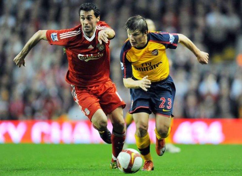 """A.Aršavinas pelnė visus keturis """"Arsenal"""" įvarčius."""