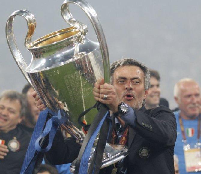 J.Mourinho per savo karjerą laimėjo jau dvi UEFA čempionų lygos taures
