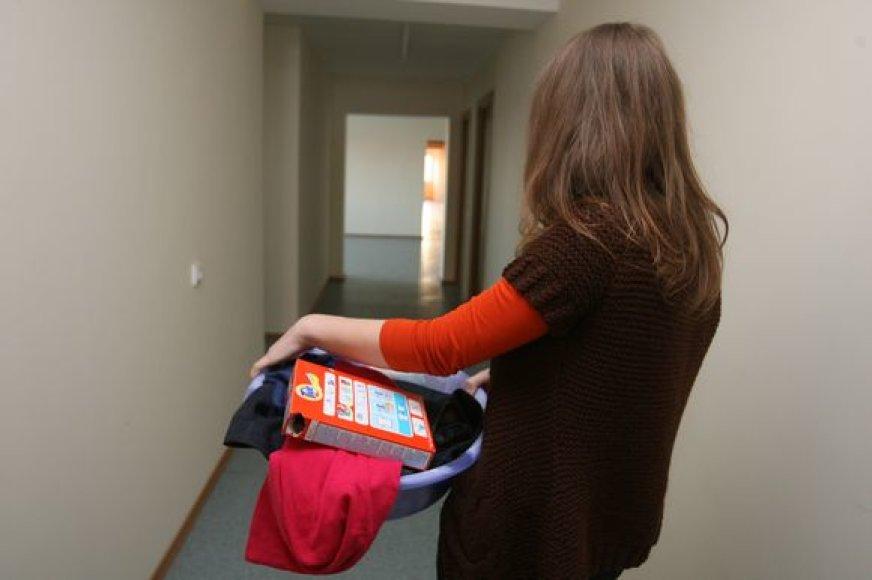 Skalbtis VU bendrabučio skalbykloje leidžiama tik užsienio studentams, o lietuvaičiams administracija siūlo rūbus ir patalynę plauti namuose.