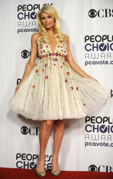 Apdovanojimuose dalyvavo ir Paris Hilton.