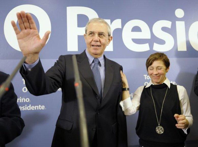 Socialistas Emilio Perezas Torino pripažino pralaimėjimą opozicinei konservatyviajai Liaudies partijai.