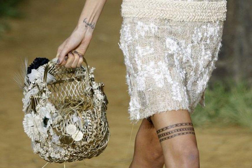 """""""Chanel"""" 2010 metų pavasario/vasaros kolekcija"""