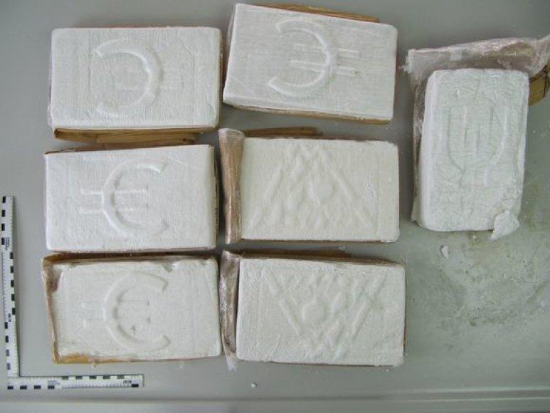 Po ilgalaikio tyrimo su užsienio valstybių teisėsaugos, netoli Saint Martino (Karibų jūros regionas), krantų buvo sulaikyta jachta, kurioje pareigūnai aptiko 380 kg kokaino.