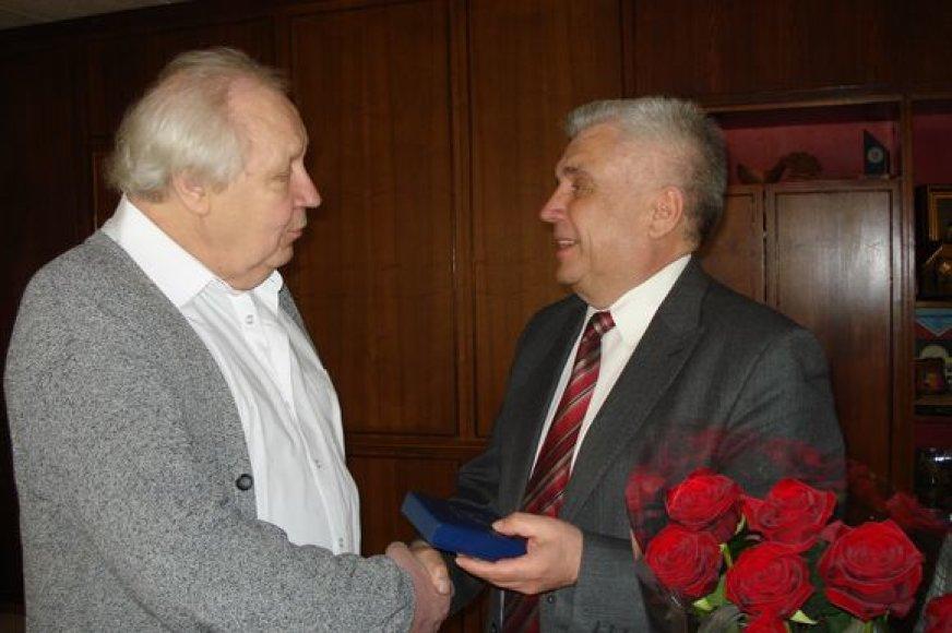 Jubiliejaus proga S.Domarką pasveikino Klaipėdos meras R.Taraškevičius.