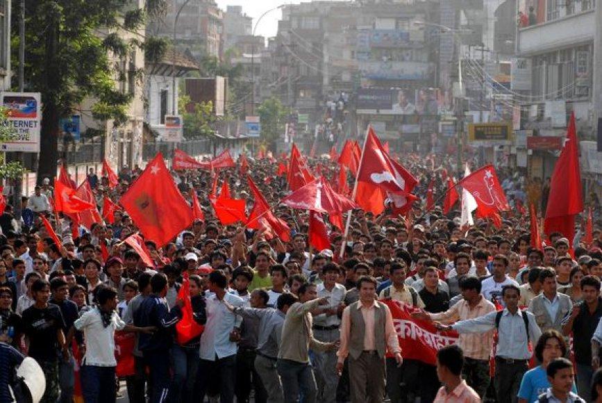 Nepale žmonės palaiko maoistų sprendimą.