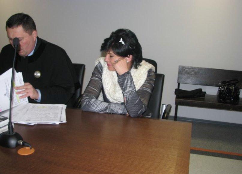 R.Šarkienė teisme jau spėjo pareikšti, kad visiškai neigia kaltę.