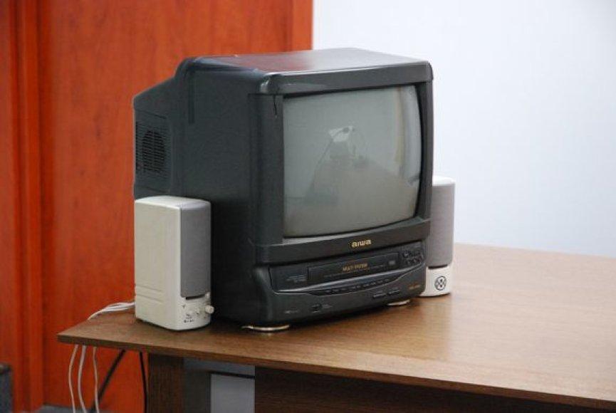 Šiame ir praeitame teismo posėdyje prireikė garsiakalbių bei televizoriaus.
