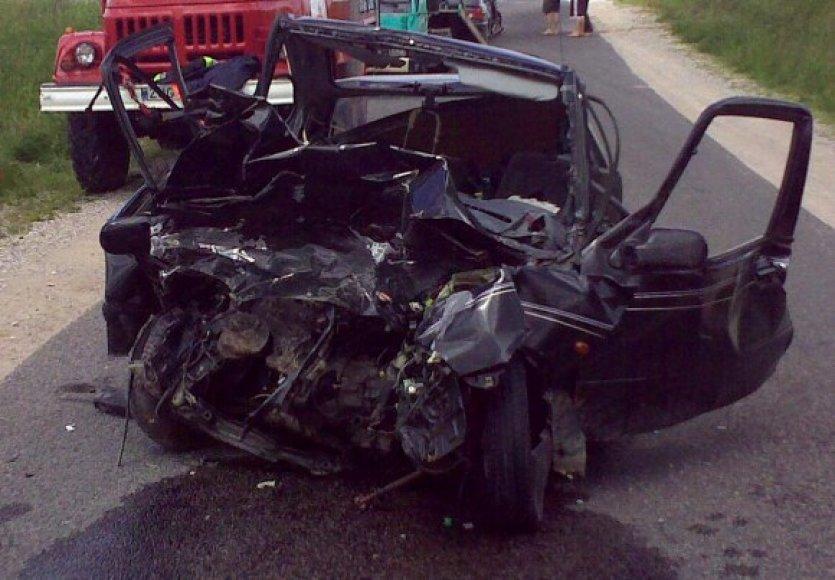"""Sumaitotas """"Suzuki Swift"""", kurio vairuotojas žuvo."""