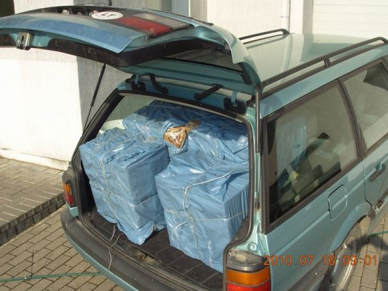 Sulaikytas automobilis su kontrabanda