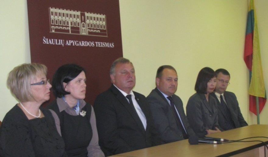Teisėjų taryba penktadienį dirbo Šiauliuose