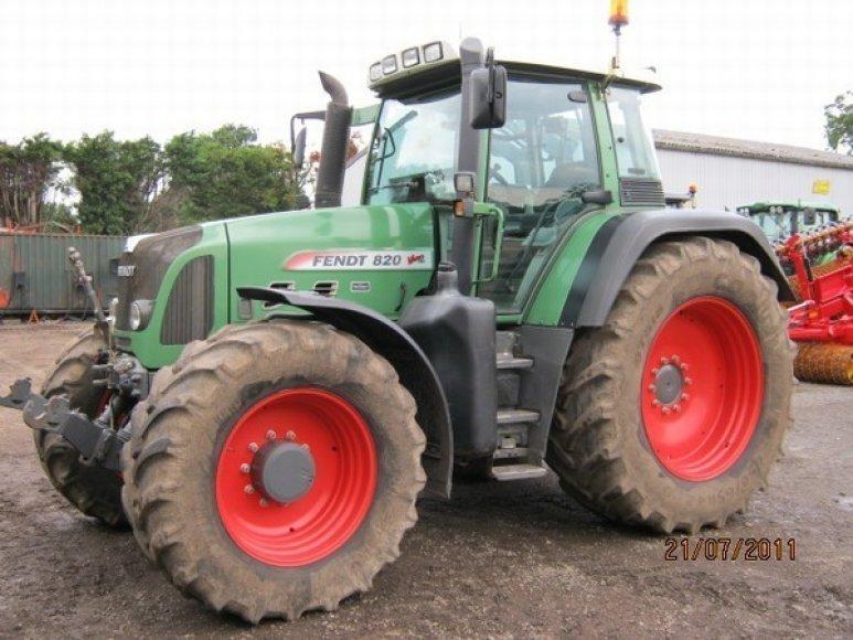 """Traktorius """"Fendt 820"""""""