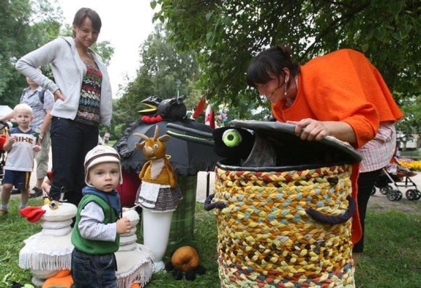 Renginyje šeimos iš visų Lietuvos kampelių demonstravo talentus ir amatus, dalinosi patirtimi ir dalyvavo Kūrybiškiausios šeimos rinkimuose.