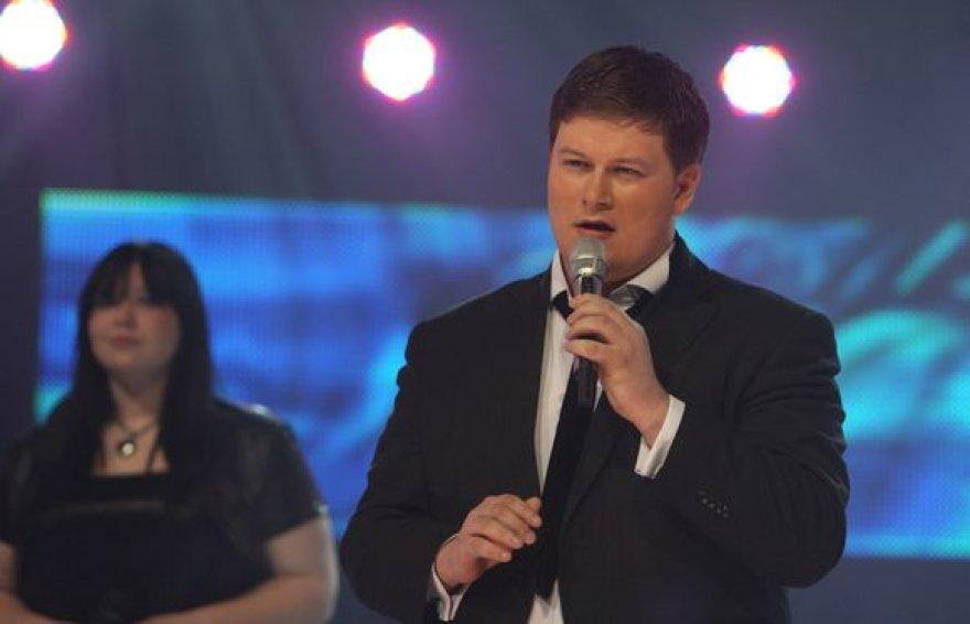 """Merūnas Vitulskis italų kalba atliko dainą """"Rosa"""""""