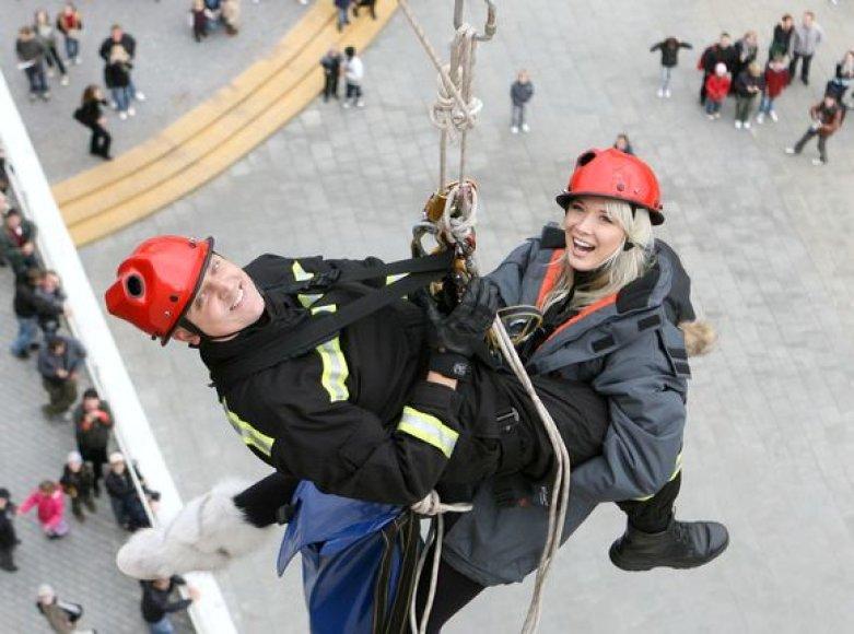 Natalijos Zvonkės gelbėjimo nuo stogo akcija