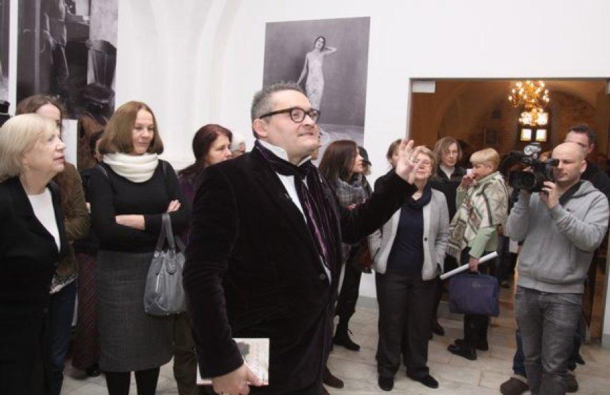 """Taikomosios dailės muziejuje lankytojų laukia istorinės mados paroda """"Art Deco Stilius (1918-1939)"""""""