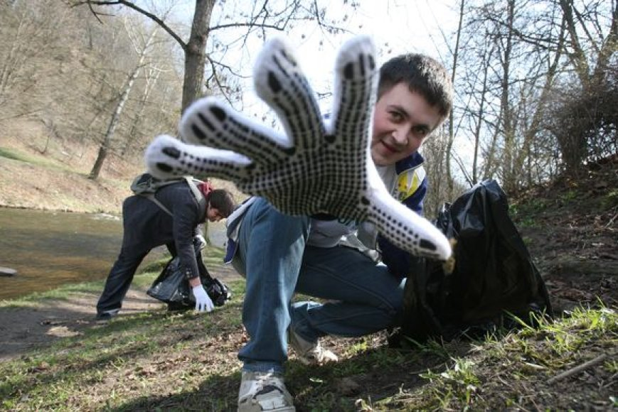 """Gediminas, vienas iš šiųmetės akcijos """"Darom'09"""" organizatorių, ragina vilniečius šį šeštadienį susiburti ir sutvarkyti miestą."""