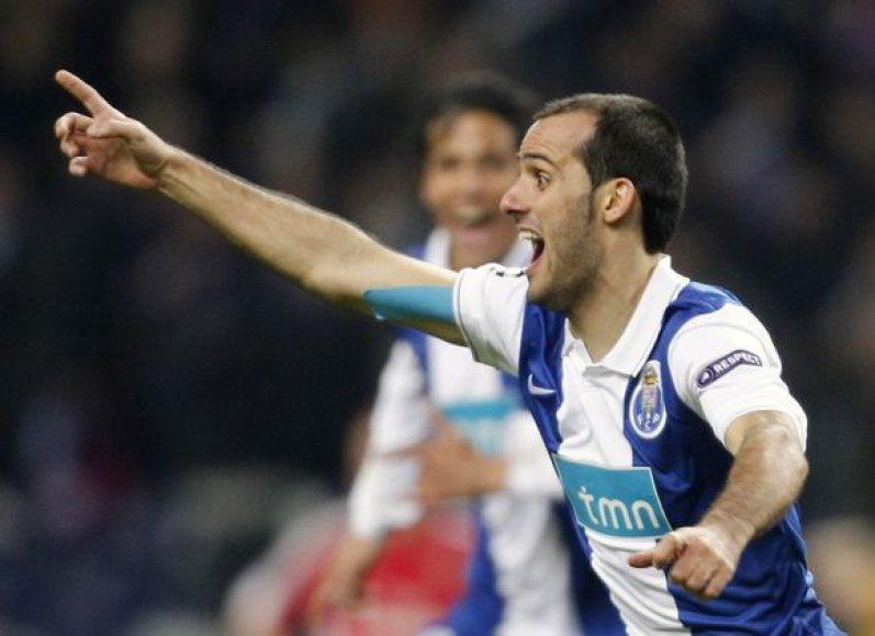 """""""Porto"""" žaidėjai džiaugiasi po įmušto įvarčio"""