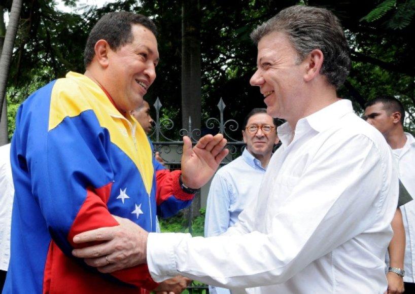 Juanas Manuelis Santosas ir Hugo Chavezas