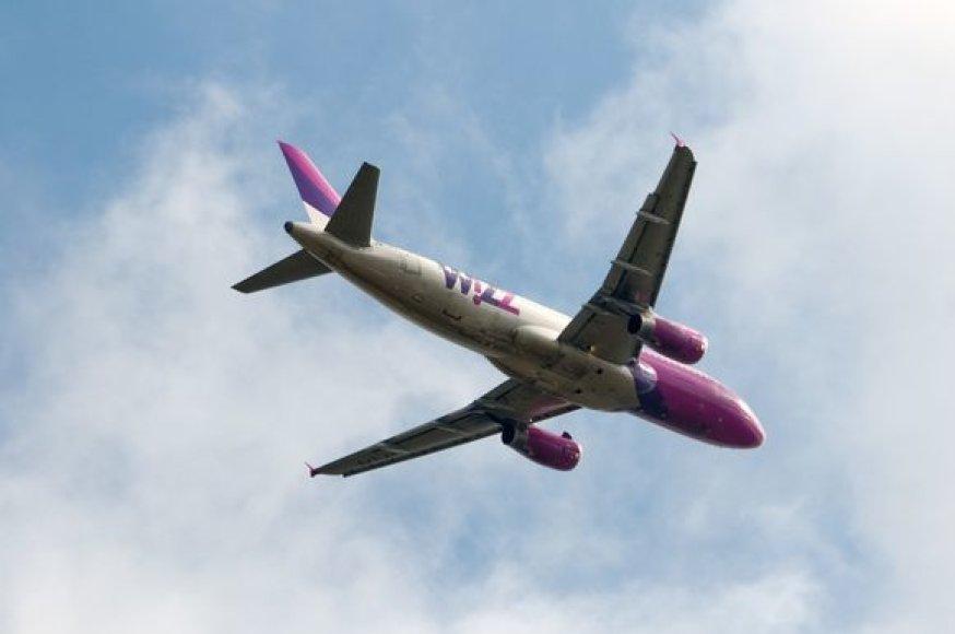 """Neoficialiais duomenimis, į Lietuvą gali ateiti kompanija """"Wizz Air"""""""