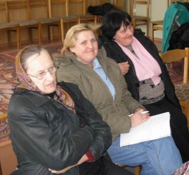 Elvyra Pekarskienė (viduryje)