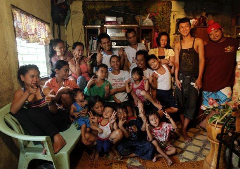 Šeima Filipinuose, susilaukusi 22 vaikų