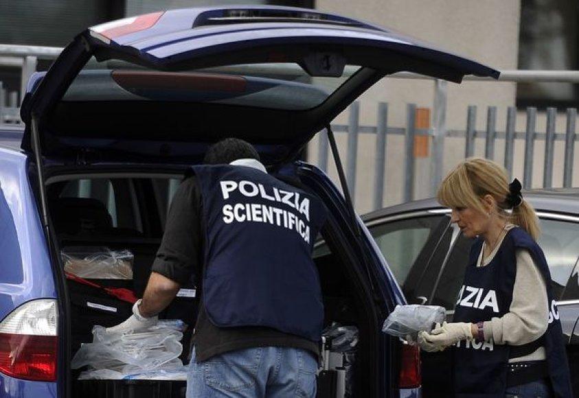 Italijos pareigūnai
