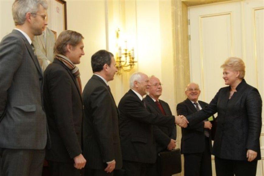 Prezidentė susitiko su konstitucinės teisės specialistais
