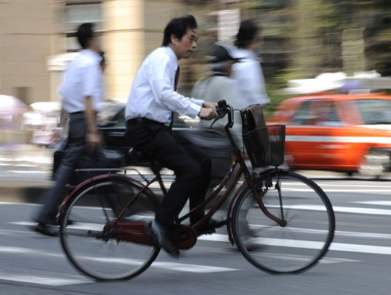 Japonijoje pavyksta pažaboti nedarbą