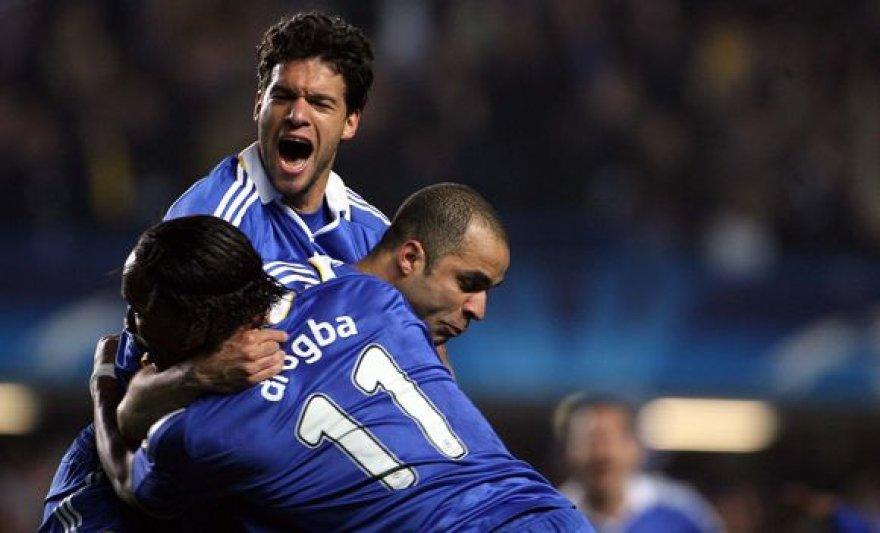 """Ketvirtfinalio seriją prieš """"Liverpool"""" klubą """"Chelsea"""" vienuolikė laimėjo bendru rezultatu 7:5."""