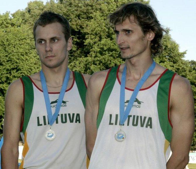 Asmeninėje įskaitoje J.Kinderis užėmė šeštą (kairėje), o E.Krungolcas - aštuntą vietas.
