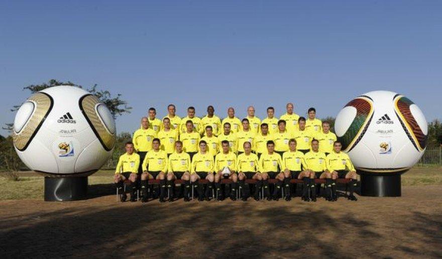 Pasaulio futbolo čempionate dirbsiantys arbitrai