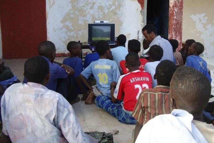 Stebėti pasaulio futbolo čempionato rungtynes nedraudžiama tik nedidelėje Somalio teritorijoje, kontroliuojamoje šalies vyriausybės
