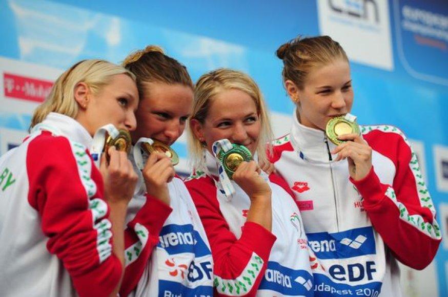 Moterų estafetės 4-ios po 200 m laisvuoju stiliumi čempionėmis tapo pirmenybių šeimininkės vengrės