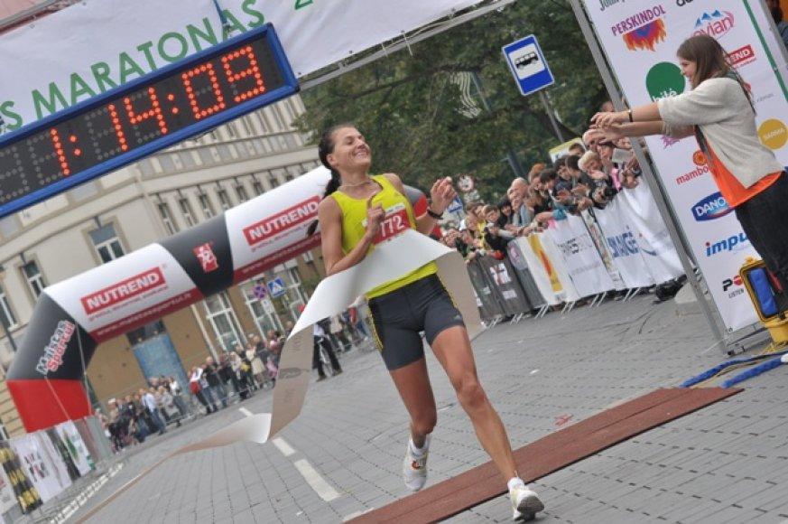 Moterų grupėje pusę maratono greičiausiai nubėgo Diana Lobačevskė
