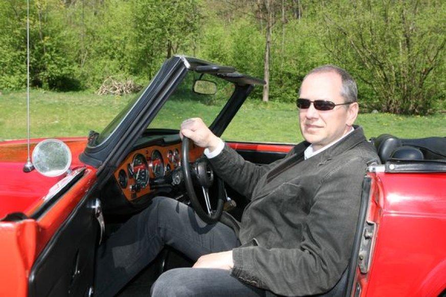 Teisininko išsilavinimą turintis LASF generalinis sekretorius R.Rupkus neabejoja, jog kitų metų čempionatą pavyks išgelbėti nuo protestų