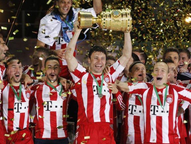 """""""Bayern"""" futbolininkai šiemet laimėjo jau du trofėjus – Vokietijos čempinatą ir šalies taurę"""