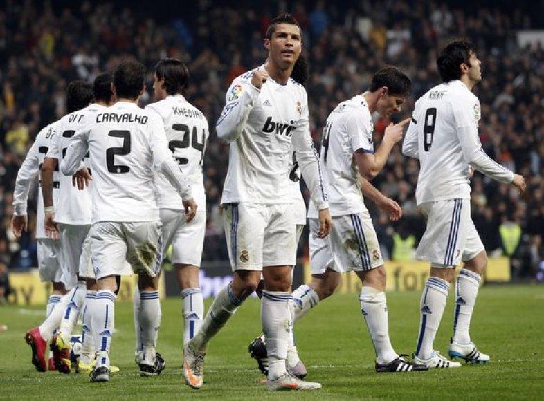 """""""Real"""" futbolininkų džiaugsmas."""