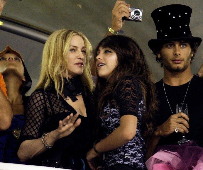Madonna su dukra Lourdes ir Jesusu Luzu.