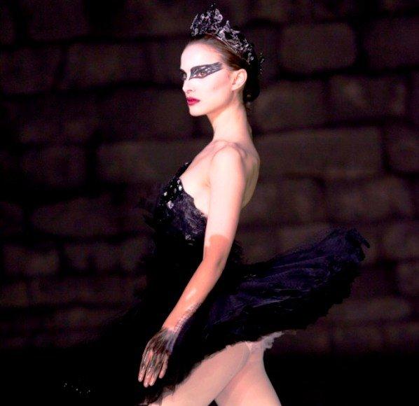 """Natalie Portman filme """"Juodoji gulbė"""""""