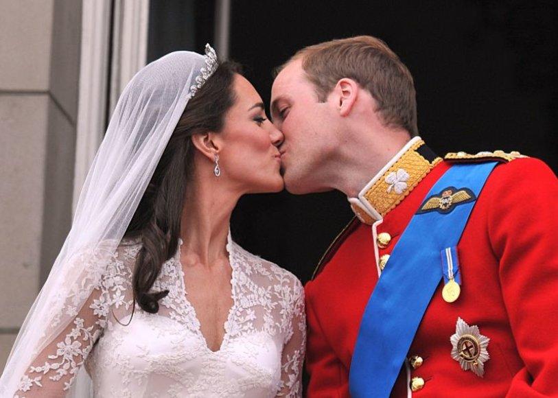 Princo Williamo ir jo žmonos Catherine bučinys