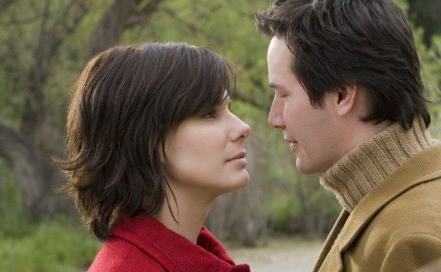 Sandra Bullock ir Keanu Reevesas
