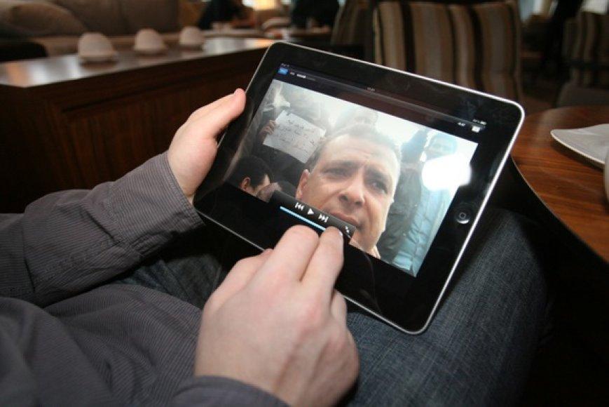 """""""iPad"""" pristatymo Lietuvoje akimirka."""